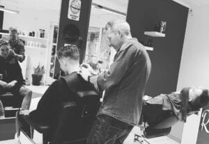 De barber corner van Borsbeek voor échte mannen - R-style