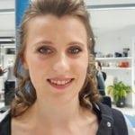 make up en haar borsbeek
